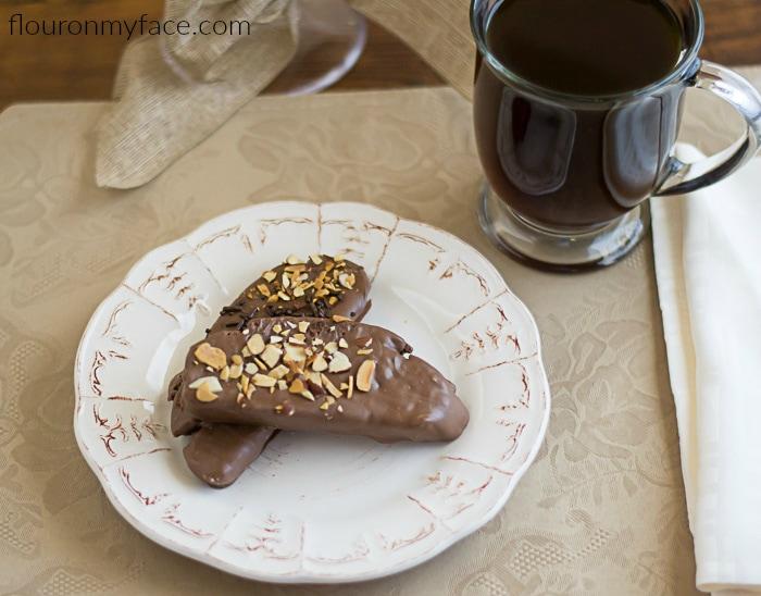 Chocolate Almond Biscotti recipe via flouronmyface.com