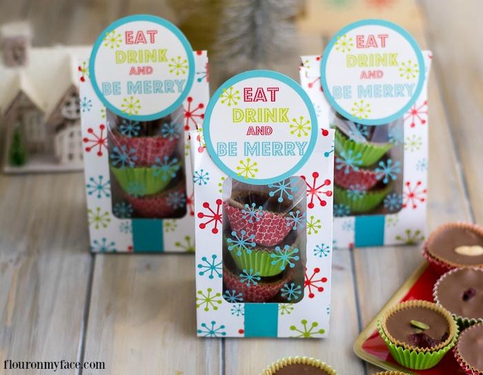 Crock Pot Christmas Candy Recipe via flouronmyface.com