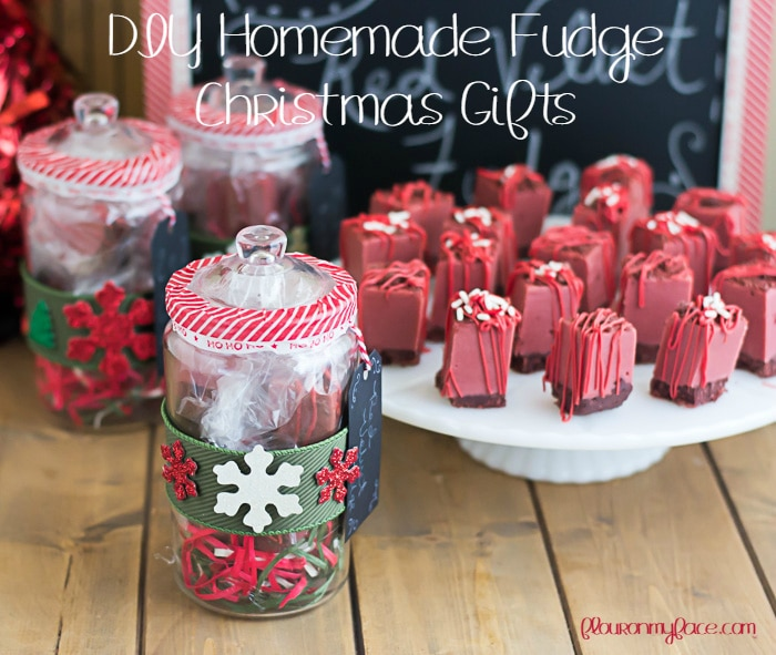 DIY Homemade Fudge Christmas Gifts via flouronmyface.com #homemadeholidays #shop