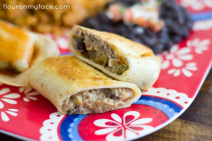 Homemade Chimichangas are the perfect Cinco de Mayo appetizer recipe via flouronmyface.com