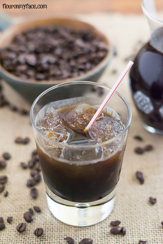 DIY Kahlua recipe via flouronmyface.com