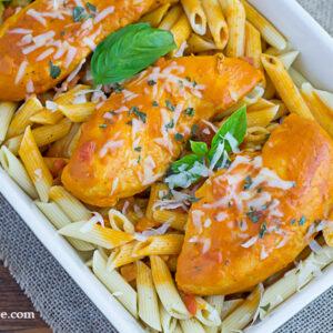 Easy Chicken Vodka Sauce recipe via flouronmyface.com