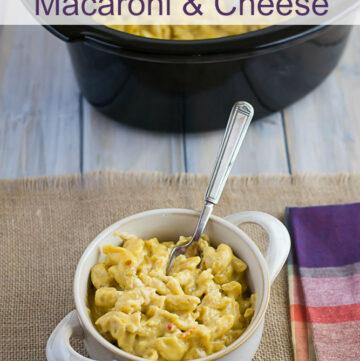 Spicy Crock Pot Macaroni and Cheese recipe via flouronmyface.com