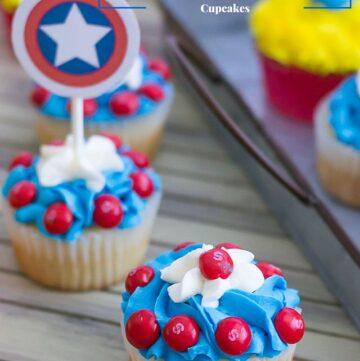 Captain America Cupcakes to celebrate the release of the new Marvel Civil War Movie via flouronmyface.com