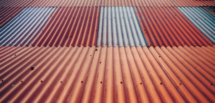 How to seal a garden shed roof via flouronmyface.com