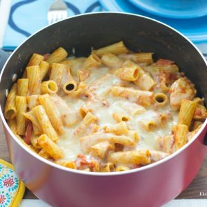 One Pot Italian Chicken Pasta Bake recipe for families stretching their meal planning dollars via flouronmyface.com
