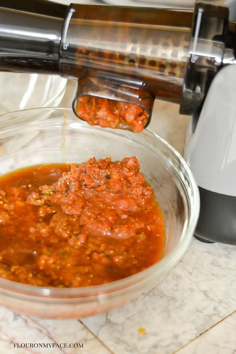 Ball® FreshTECH HarvestPro™ Sauce Maker in use via flouronmyface.com #ad #canitforward