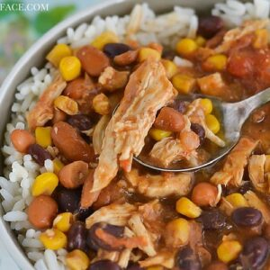 How to make Crock Pot Chicken Chili in the slow cooker via flouronmyface.com