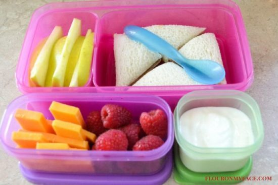 Rubbermaid Bento Lunch Blox via flouronmyface.com #ad #bentobox