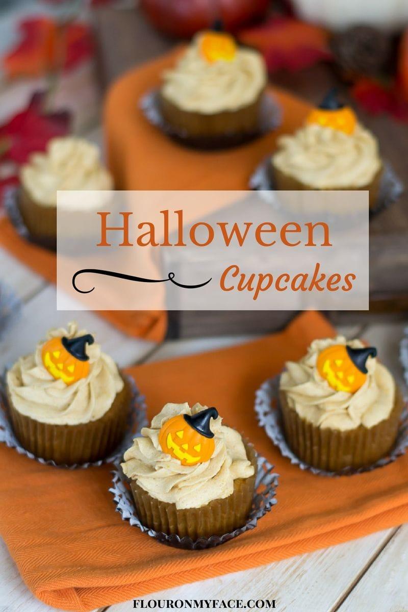 Halloween Cupcakes recipe via flouronmyface.com #ad #sundaysupper