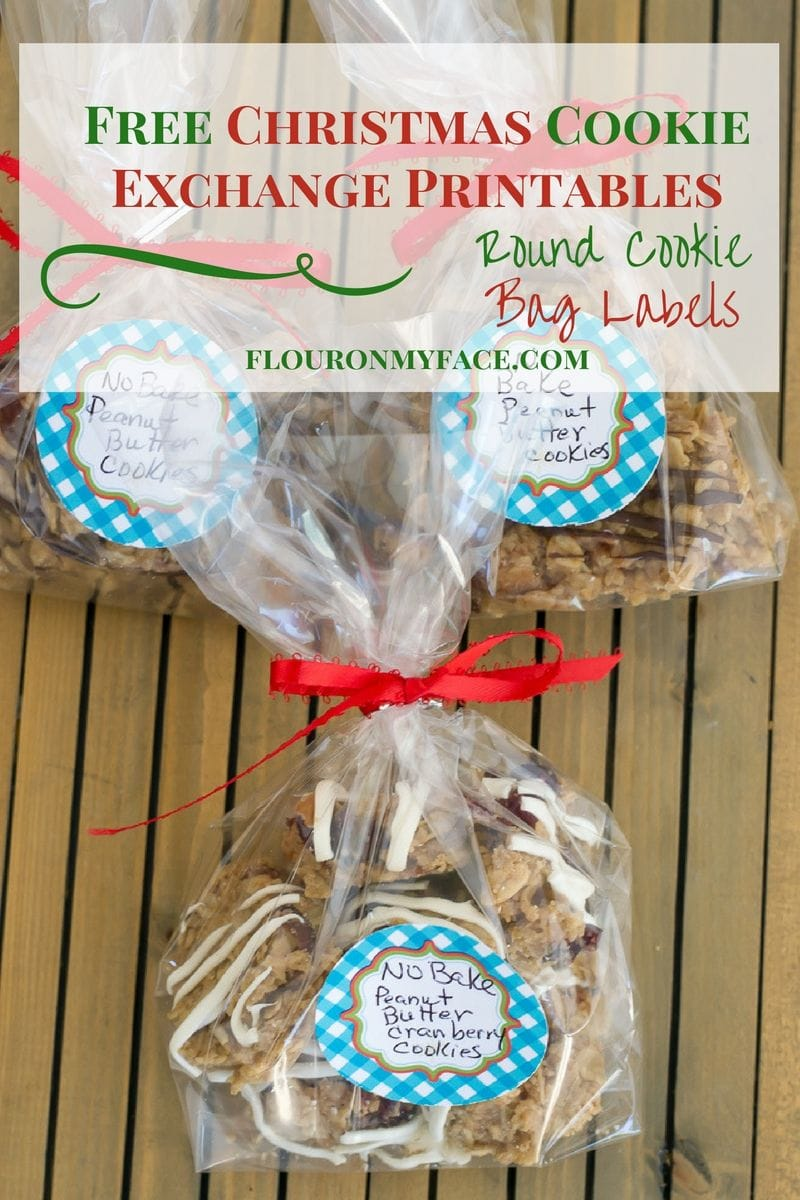 Easy Cookie Exchange Packaging with Free Printable Christmas Cookie Exchange Round Labels to decorate your cookie swap baggies via flouronmyface.com