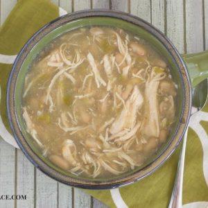 slow cooker white chicken chili recipe via flouronmyface.com