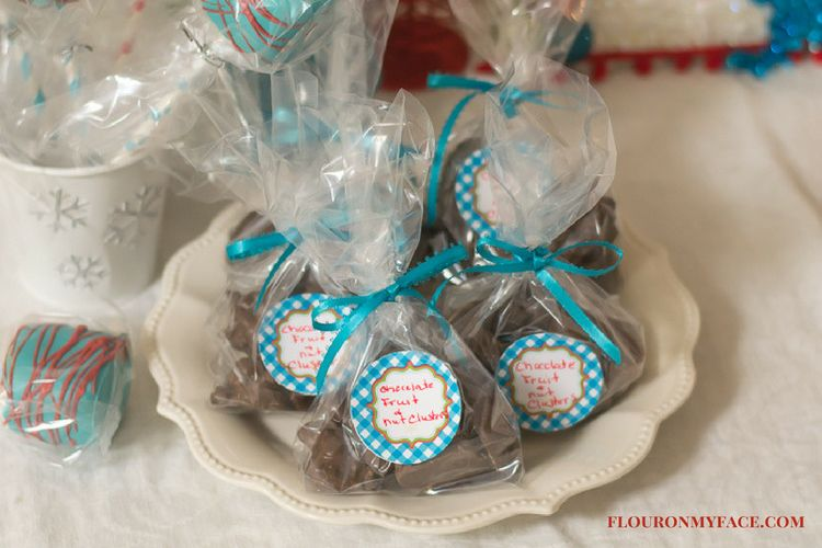 Crock Pot Christmas Candy recipe via flouronmyface.com