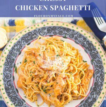 Crock Pot Cheesy Chicken Spaghetti recipe via flouronmyface.com