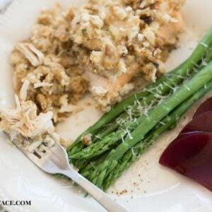 Easy and delicious crock pot chicken recipe via flouronmyface.com