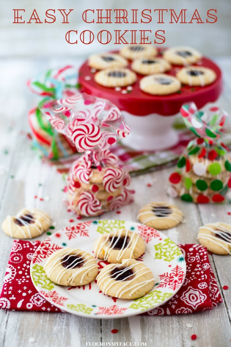 Easy Christmas Cookie ideas perfect for a Christmas Cookie exchange. Package the cookies in holiday cellophane bags and serve them to your guests on a Christmas plate.