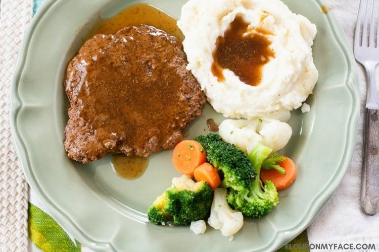 Best Crock Pot Cube Steak with Gravy recipe