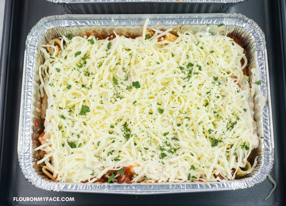 a tray of meaty and cheese pasta bake recipe