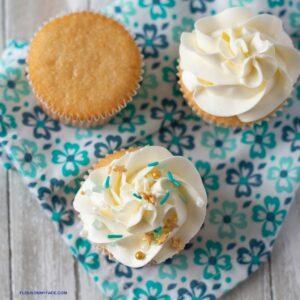 3 Vanilla Cupcakes