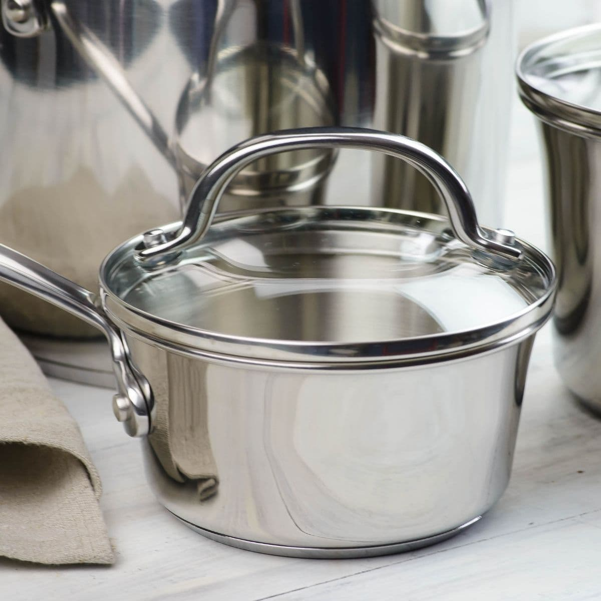 Small sauce pan with a lid.